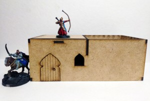 Desert City – Small Desert Hut with courtyard (28mm)
